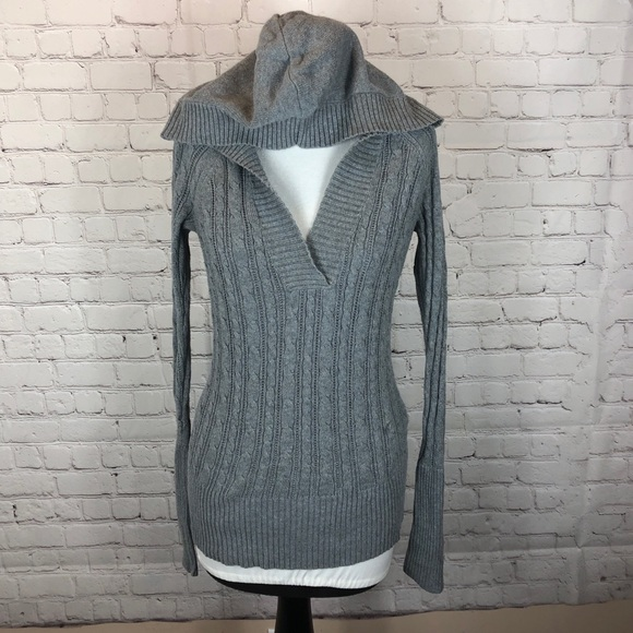 💥 5/$25 - American Eagle Hooded Sweater Medium